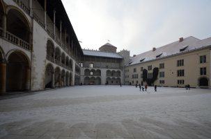 L'interno del cortile del Castello