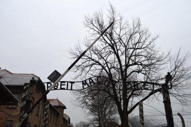 L'ingresso al campo di Auschwitz