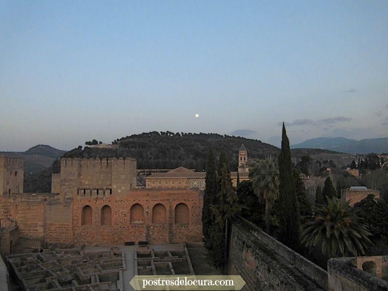 luna sobre la alhambra