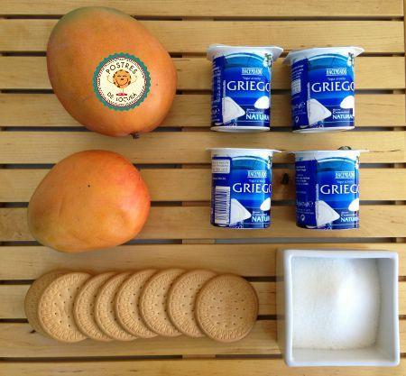 Ingredientes postre de yogur y fruta