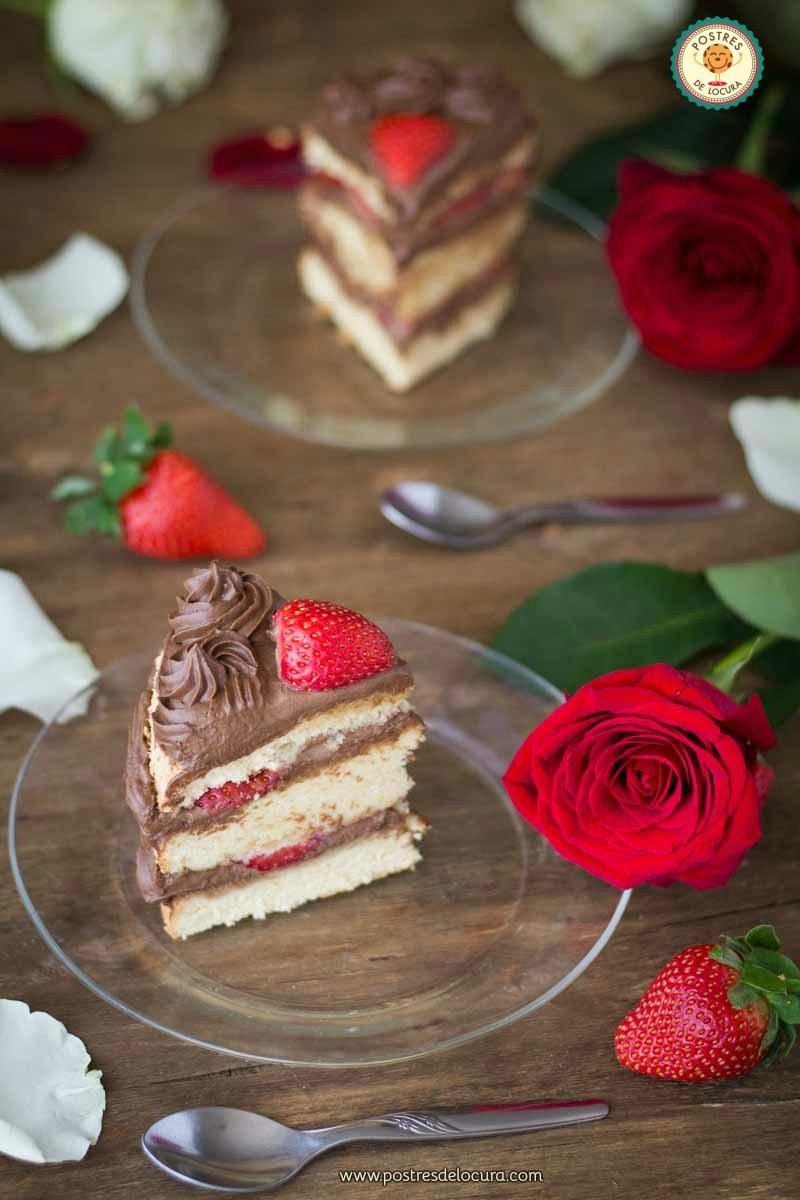 Tarta con fresas y chocolate para San Valentin