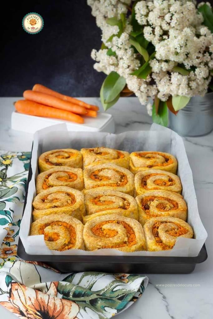 Rollos de zanahoria y canela, fáciles y muy esponjosos