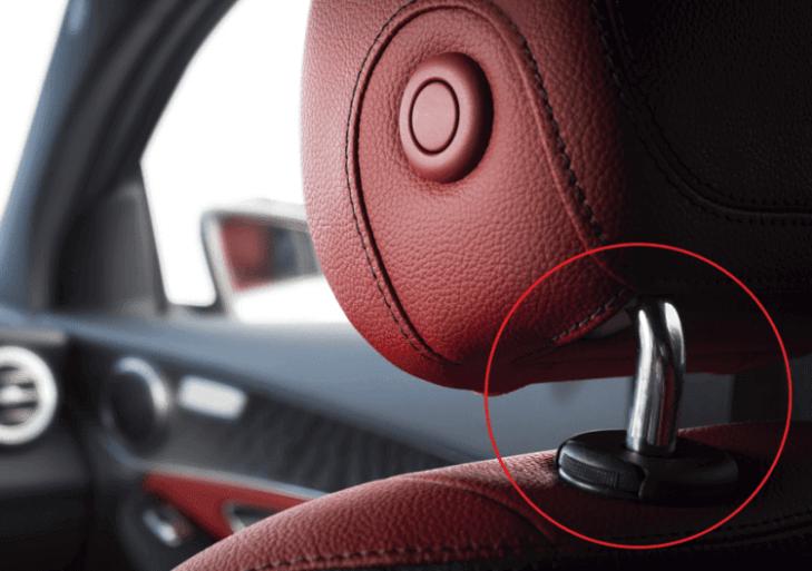 Otro Uso Del Apoyacabezas Del Auto