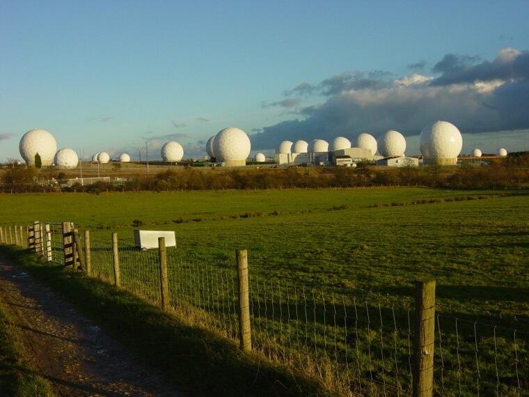 Base da Força Aérea Real em Menwith Hill, Reino Unido