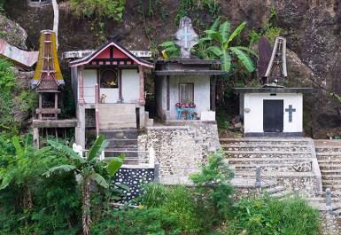 Patane tombs, designed to look like Torajan tongkonan houses