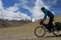 Riding to Kaksang La Pass