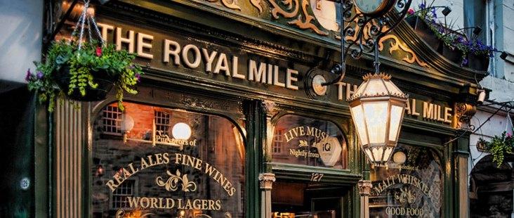 The Royal Mile pub - things to do in Edinburgh Scotland