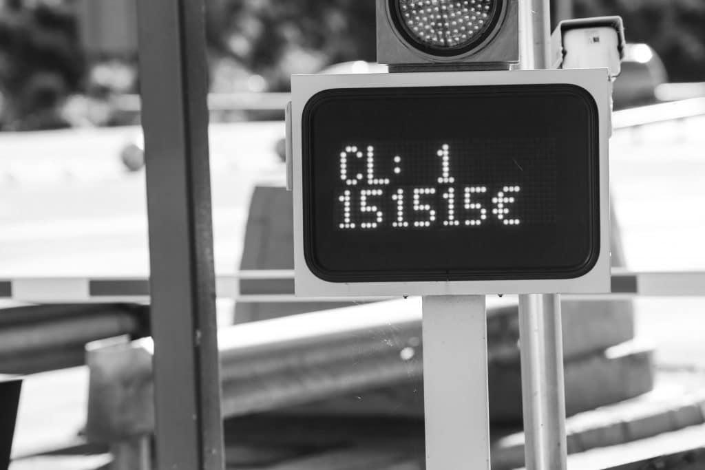 Un asturiano pide un crédito para poder pagar los peajes de su viaje a Madrid