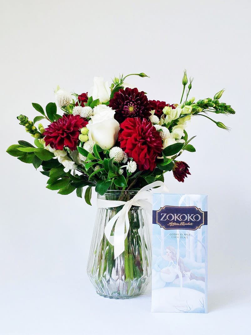 A Litte Treat Gift Pack with Small Suprise Me Posy in Vase and Chocolate