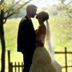 中高年のお金がない独身男は、デートや結婚に向け、小さな夢を!
