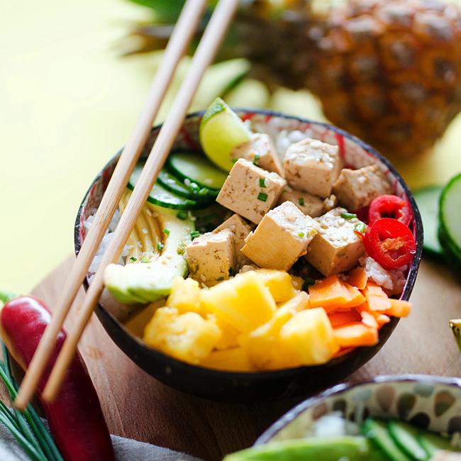 vegetarian-pineapple-poke-bowl-10-sq