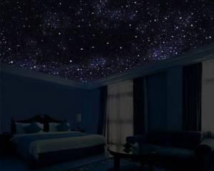 потолок в звездах