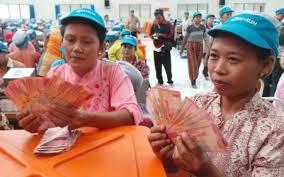 8.633 Perusahaan di Riau Diminta Bayarkan THR untuk Pegawai