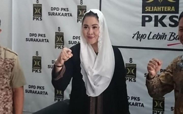 Putri Woelan Rela Jadi Yang Kedua Asal Achmad Purnomo Bersedia Hadapi Gibran