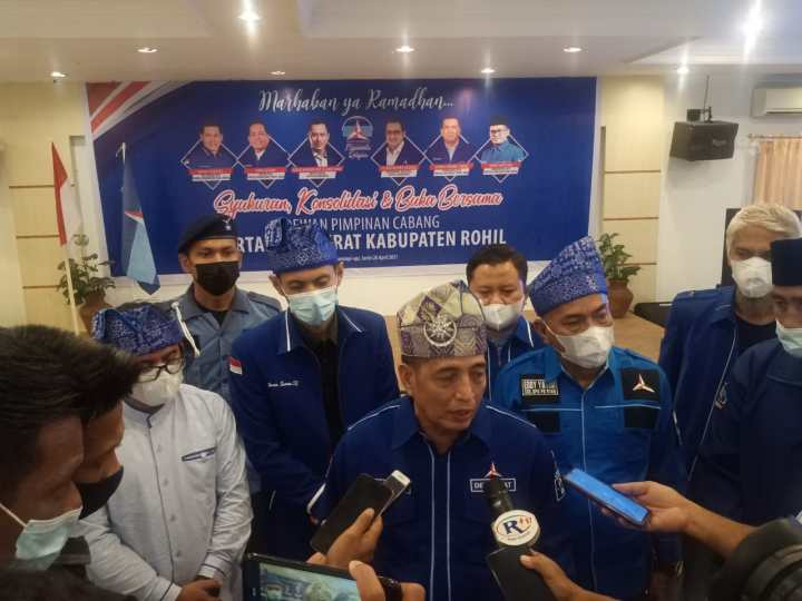 Asri Auzar Pecat Ketua DPC Rohil Buntut Ikut KLB Demokrat