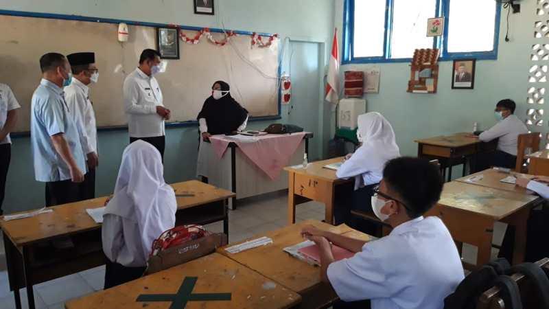Walikota Pekanbaru Tinjau Belajar Tatap Muka di Kedua SMP