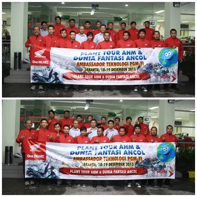 22 Peserta dengan senyum lebarnya, ber-pose bareng di depan kantor PT. MPM (part centre)