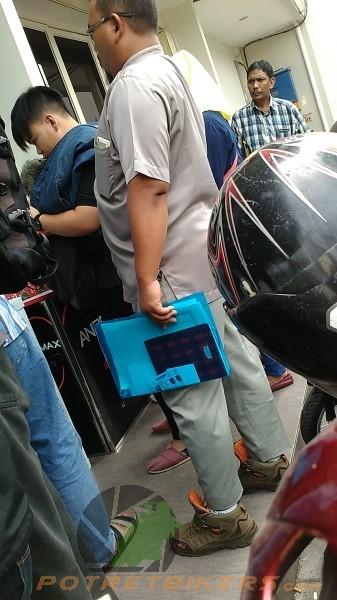 Antiran pendaftaran GRAB BIKE - Surabaya