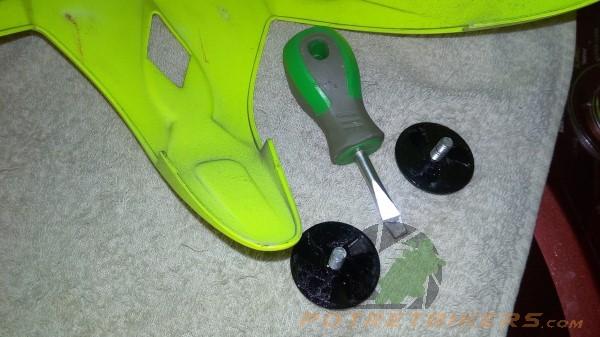 Cara Mudah Mencuci Helm Sendiri (2)