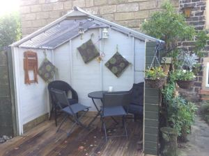 Cosy gazebo at Pots and Pans Holiday Cottage, Uppermill, Saddleworth