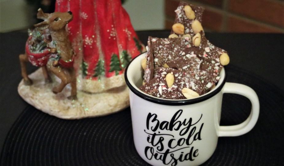 Christmas Salted Chocolate Bark potsandplanes.com