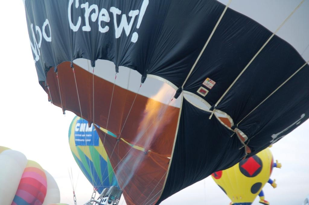 The Moo Crew's balloon is almost inflated. I love the fire, and this is the closet shot I got.