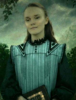Ariana_Dumbledore_Hog's_Head