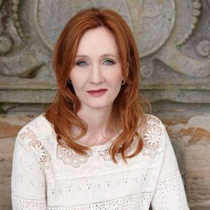 Boj začal na Twitteru, aneb jak J.K. Rowlingová rýpla do vosího hnízda