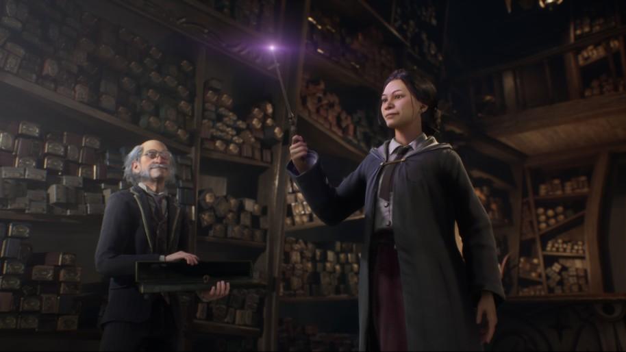 Screenshot ze hry, u Ollivandera, budoucí bradavická studentka si vybírá hůlku.