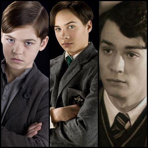 Obrázek je rozdělen na tři pole. Zleva v prvním poli je Tom jako dítě ze sirotčince (film HP a Princ dvojí krve), na druhém obrázku jako mladý student (film HP a Princ dvojí krve) a na třetím je obličej o něco staršího Toma (film HP a Tajemná komnata).