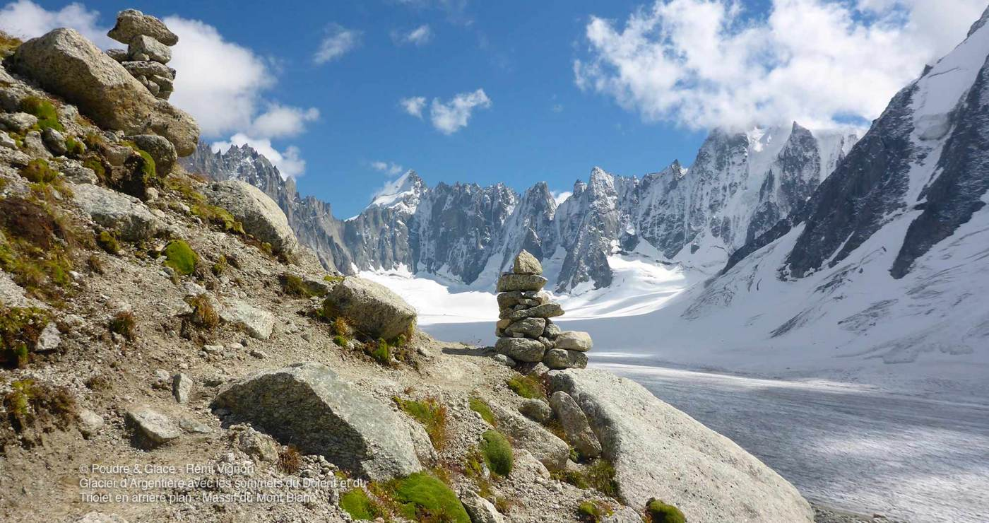 © Poudre & Glace - Rémi Vignon - Glacier d'Argentière avec les Sommets du Dolent et du Triolet en arrière plan (Massif du Mont Blanc)