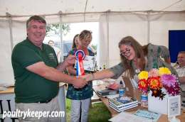 Mark Anderson Howe receives Best Rare Breed Award. Photo courtesy of Rupert Stephenson.