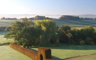 sunrise-view-garden-poundon-house
