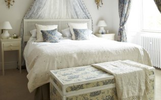 French-Room-Bedroom-Poundon-House
