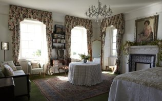 Green-Room-Bedroom-Poundon-House