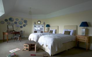 Old-Nursery-Poundon-House-Bedroom