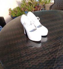 Escarpins couleur blanc, pointure 36, hauteur talon 12cm
