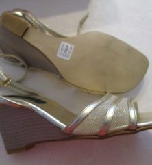 SANDALES OR TAILLE 34