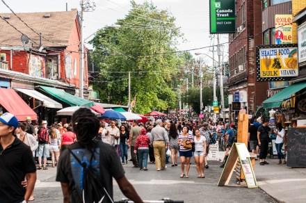 KensingtonMarket_pedestriansunday