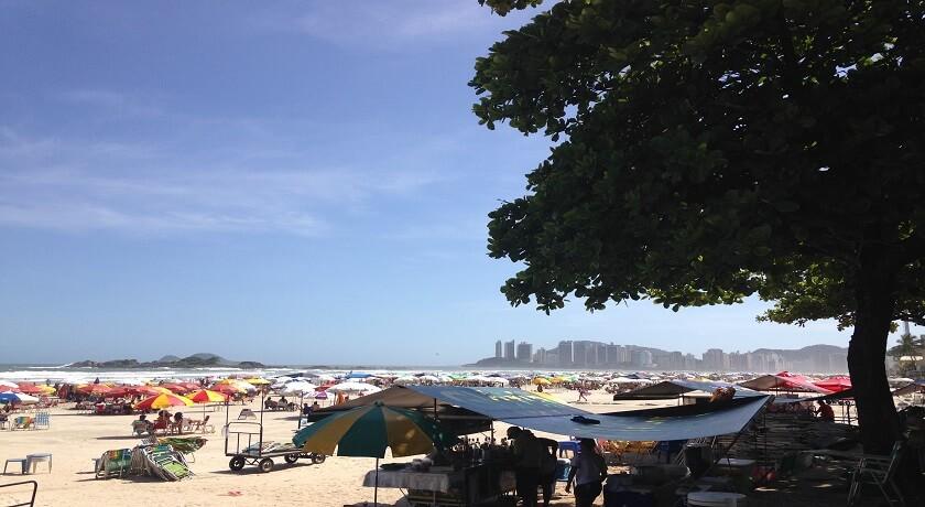 Praia de Pitangueiras em Guaruja