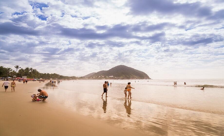 A Praia de Pernambuco Guaruja SP