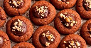 Шоколадное печенье с мятно-шоколадной начинкой