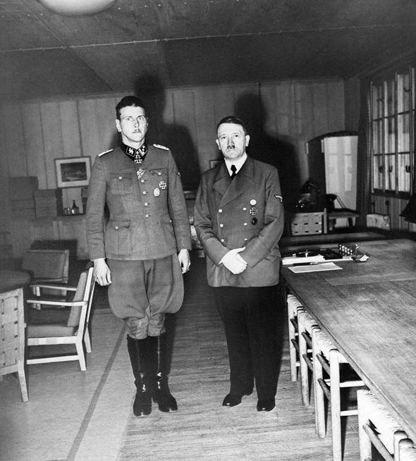 Tijekom rata više se puta dokazao kao Hitlerov poslušan i odan vojnik