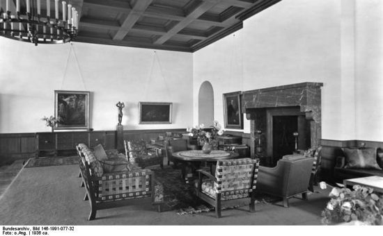 Velika soba za prijem gostiju (Bundesarchiv, Bild 146-1991-077-32 / CC-BY-SA.)