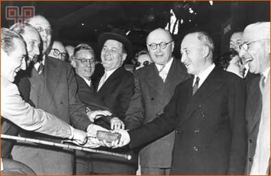 """Jean Monnet i ostali utemeljuju prvo europsko """"čelično"""" udruženje"""