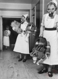 Gas maske za bebe u Londonu 1940. godine