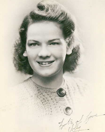 Evelyn na maturalnoj fotografiji 1942.