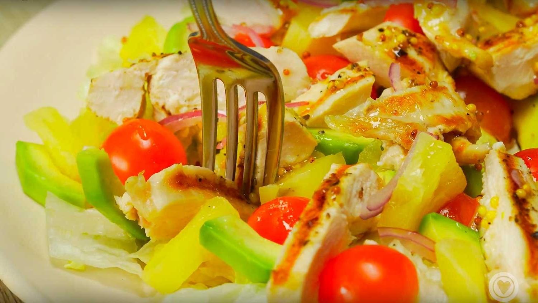 Салат с куриной грудкой и ананасами (3074) | Povkusu.com