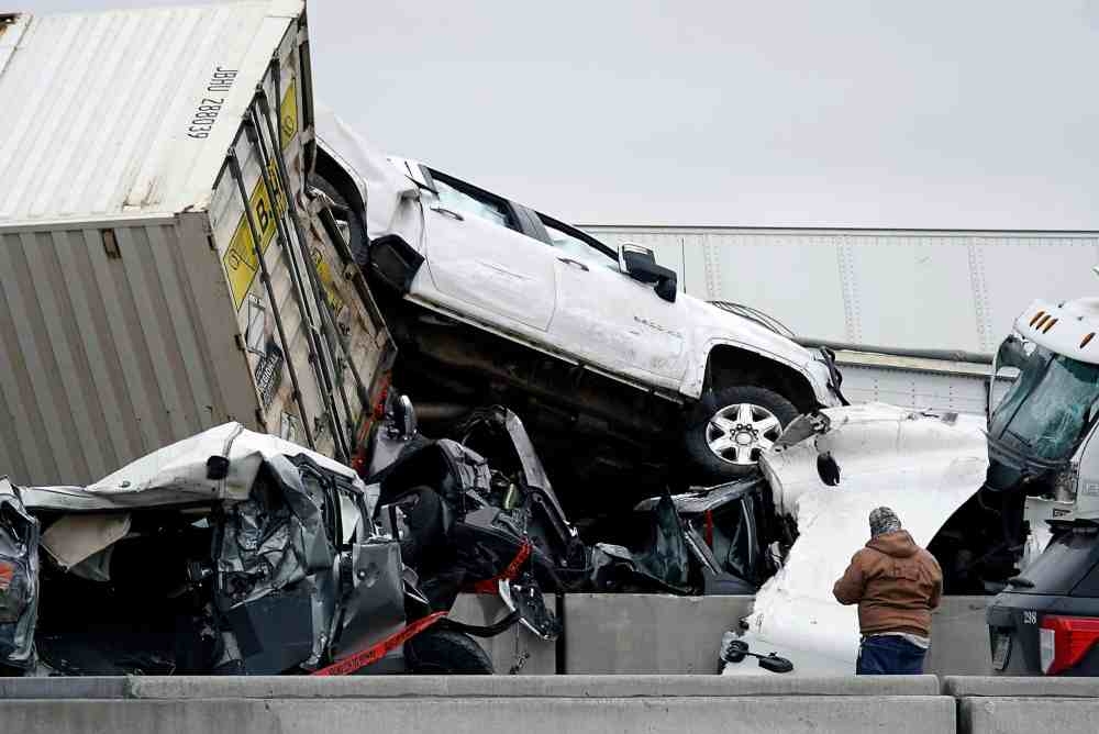 130 Vehicles Pile Up In Texas Interstate, Resulting 6 Deaths And Several Injuries