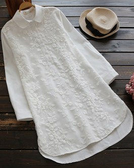 Embroidery Lapel 3/4 Sleeve Blouse